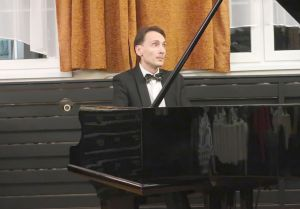 1339th  Liszt Evening - Parlour of Four Muses in Oborniki Slaskie, 13rd Sep 2019<br> The performers were Alexey Komarov - piano and Juliusz Adamowski - commentary. Photo by Jolanta Nitka.